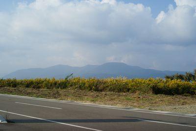 高田から見る県境の山