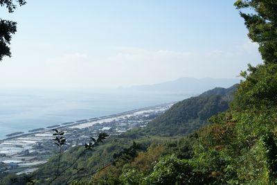 眼下に見る駿河湾